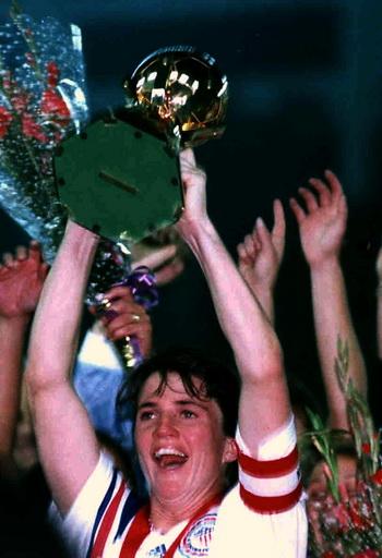 April Heinrichs champion